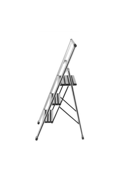 Aluminijasta gospodinjska lestev Wenko 2+1 (delovna višina: 2,55 m, transportna dolžina: 1,31m, nosilnost 150 kg)